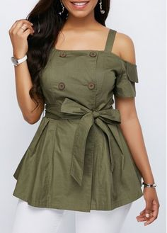 Stylish Tops For Girls, Trendy Tops, Trendy Fashion Tops, Trendy Tops For Women Indian Fashion Dresses, Girls Fashion Clothes, Indian Designer Outfits, Fashion Outfits, Fashion Blouses, Denim Outfits, Ladies Clothes, Stylish Tops For Girls, Trendy Tops For Women