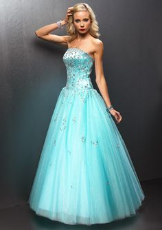 light blue homecoming dresses (I would love this for the Christmas dance) =)))