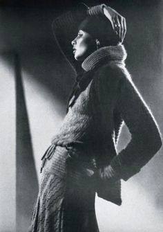 Apollonia van Ravenstein is wearing a pullover, cardigan, skirt and plum hat all by Missoni, photo David Bailey. Seventies Fashion, 70s Fashion, Fashion History, Vintage Fashion, David Bailey Photography, Brian Duffy, Swinging London, English Fashion, Celebrity Photographers