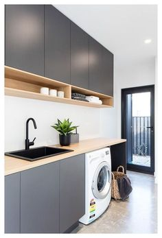 Modern Laundry Rooms, Laundry In Bathroom, Basement Laundry, Laundry Decor, Laundry Area, Laundry In Kitchen, Laundry Room Counter, Laundry Tips, Küchen Design