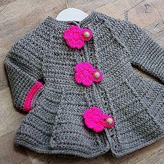 How to make a girl's crochet coat very easy Crochet Baby Sweater Pattern, Crochet Baby Sweaters, Gilet Crochet, Crochet Poncho Patterns, Crochet Coat, Baby Girl Crochet, Crochet Baby Clothes, Crochet Cardigan, Crochet For Kids