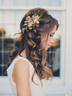 Love Wedding hairstyles for medium length hair? wanna give your hair a new look ? Wedding hairstyles for medium length hair is a good choice for you. Here you will find some super sexy Wedding hairstyles for medium length hair, Find the best one for you, Wedding Hairstyles For Long Hair, Wedding Hair And Makeup, Bride Hairstyles, Down Hairstyles, Wedding Hairstyles For Curly Hair, Hairstyles For Bridesmaids, Curled Hairstyles For Medium Hair, Wedding Hairdos, 2015 Hairstyles
