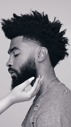 Natural Hair Men, Curly Hair Men, Curly Hair Styles, Black Men Haircuts, Black Men Hairstyles, Black Hair Cuts, Taper Fade Haircut, Black Men Beards, Beard Haircut