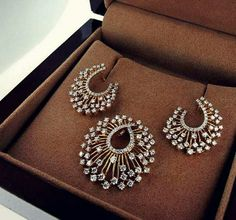 Jewellery Box Returns than Jewellery Box India but Jewellery Earrings most Ganesh Jewellery Near Me within Diamond Necklace Simple Designs With Price In India Silver Jewellery Indian, Gold Jewellery Design, Silver Jewelry, Fine Jewelry, Silver Rings, Jewelry Model, Vintage Jewelry, Jewelry Making, Bohemian Jewelry