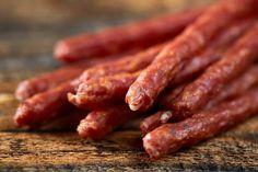 Beef Sticks Recipe, Beef Jerky Sticks, Jalapeno Recipes, Sausage Recipes, Pork Recipes, Pepper Sticks Recipe, Smoked Beef, Homemade Bbq