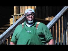 Video - Moe Cason - Passion for the Big Green Egg Big Green Egg Table, Big Green Egg Grill, Green Eggs, Cedar Plank Salmon, Bar B Que, Smoked Turkey, Grill Master, Smoking Meat, Bbq Chicken