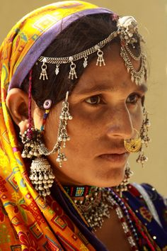 Mir woman (Gujarat).  Mir is a tribe/caste which has decended from the Butt tribe in Kashmir Valley of Baramulla. It is also in Sindh Gilgit and Punjab provinces of Pakistan and India. Mir are actually of Butt lineage along with Khwaja. Mir are also known as Butt today because they are actually descended directly from the Butt bloodlines. Mir became a subcaste somewhere around 1850 and is actually a name of a person and NOT a tribe.