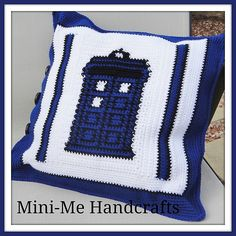 Ravelry: Project Gallery for Doctor Who Crochet Bag pattern by April Draven