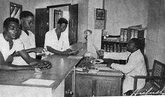 Delegación de Trabajo, GG, Memoria de la labor realizada por este Gobierno, 1955.   Oficina+de+la+Caja+Colonial+de+Seguros+%28Santa+Isabel%29.jpg (399×235)