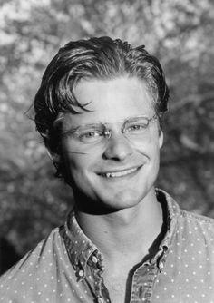 Steve Zahn. Oh, glasses!