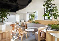 Gallery of A Hidden Garden Behind the Concrete Walls / Muxin Design - 1