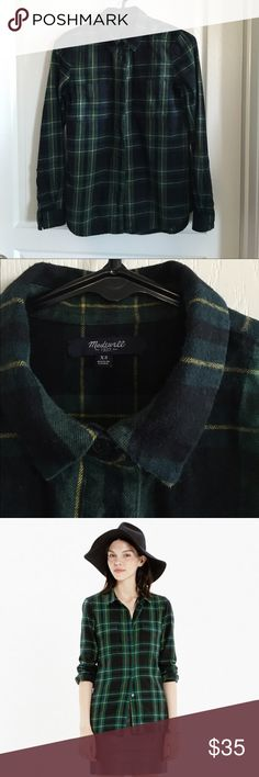 Madewell Flannel Boyshirt in Barlow Plaid Size XS Easy, comfortable flannel plaid shirt. Navy and green plaid. Fit is true to size. Cotton. Worn, but still in good condition. No trades or Paypal. Madewell Tops Button Down Shirts