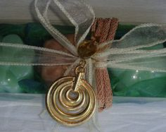 Green-Beige Elegant Gift Set for Women with Luxury Scented Soaps & Handmade Jewelry Necklace - A special gift for your Mother, your Wife, your Girlfriend, your Daughter, a Friend. For any woman!