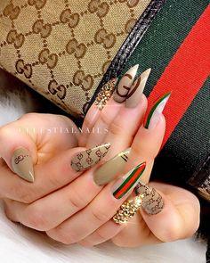 Nails I lowkey want ✔ Nail Yellow Videos Degrade Bridal Fash Sexy Nails, Trendy Nails, Gucci Nails, Burberry Nails, Acryl Nails, Glamour Nails, Luxury Nails, Fire Nails, Best Acrylic Nails