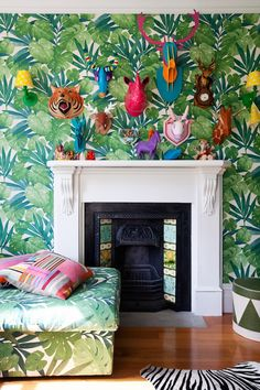 5 Decorating Questions with Alex Fulton.. Super awesome wallpaper