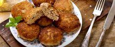 Nieziemskie kotlety mielone z ogórkiem kiszonym, obłędna fuzja smaków, nawet dla wymagających smakoszy   smakosze.pl Chili, Muffin, Meat, Chicken, Breakfast, Ethnic Recipes, Food, Morning Coffee, Chile