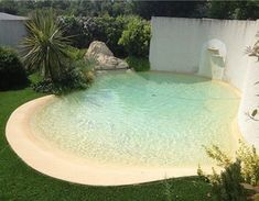Popular Small Pool Design Ideas For Your Backyard Decor - As Spring begins, the weather is beautiful. Winter is past and warmer temperatures are on the way. In fact, Summer isn't that far away. Beach Entry Pool, Backyard Beach, Small Backyard Pools, Backyard Pool Designs, Small Pools, Backyard Playground, Swimming Pools Backyard, Swimming Pool Designs, Backyard Patio