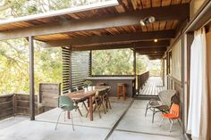 Built on a hillside in 1961this San Diego-area home is by architect Richard Lareau.