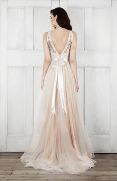 2015 Wedding Dresses: Modern & Romantic Bridal Dresses by Catherine Deane - - 2015 Wedding Dresses: Modern & Romantic Bridal Dresses by Catherine Deane see more at www.wantthatweddi… Source by virginiageig 2015 Wedding Dresses, Wedding Attire, Bridal Dresses, Bridesmaid Dresses, Dresses 2016, Dress Wedding, Romantic Wedding Dresses, French Wedding Dress, Cream Wedding Dresses