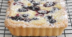 Made-from-Scratch Ricotta and Berry Tart Italian Desserts, Just Desserts, Delicious Desserts, Ricotta Dessert, Berry Tart, Fruit Tart, Cake Recipes, Dessert Recipes, Sweet Tarts