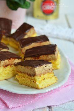 Kávé szelet - a villám süti Hungarian Desserts, Hungarian Recipes, Tiramisu, Bread Dough Recipe, How Sweet Eats, Cake Recipes, Food And Drink, Sweets, Healthy Recipes
