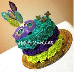 another frosting one - Mardi Gras Mardi Gras Desserts, Mardi Gras Food, Mardi Gras Decorations, Mardi Gras Party, Masquerade Cakes, Masquerade Theme, Fondant Cakes, Cupcake Cakes, Cupcakes