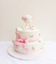 Girls bird themed christening cake sugar flowers and a bow. Fondant Icing, Fondant Cakes, Cupcake Cakes, Torta Baby Shower, First Birthday Cakes, Birthday Parties, Chef Cake, Fab Cakes, Piece Of Cakes