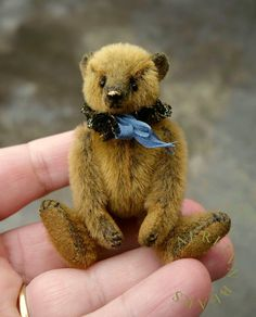 Stanley, Miniature Mini Artist Teddy Bear from Aerlinn Bears