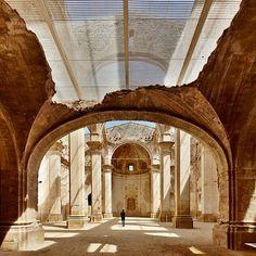 Pasado, presente y futuro - AD España, © José Hevia