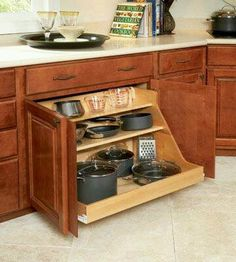 Save money without sacrificing quality on your next DIY kitchen remodel with used kitchen cabinets. Find your dream kitchen that stays within your budget! Clever Kitchen Storage, Kitchen And Bath, Kitchen Remodel, Home Remodeling, Kitchen Storage Solutions, New Kitchen, Kitchen Organization, Storage, Kitchen Design