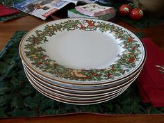 "SET OF 6 CHRISTMAS DINNER PLATES, FITZ & FLOYD ""ST. NICHOLAS"" PATTERN,1978,10.5"""