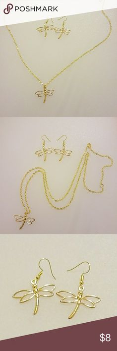 New Dragonfly golden jewelry set 1 long necklace of 15' in. approx. (Chain) 1 pair of dragonfly earings Dragonfly charms are about 1' x 1.4' in. Golden color Hand crafted Jewelry