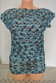 MODROHNĚDÁ Halenka háčkovaná z dovozové příze,100% BA,tři odstíny modré a hnědá se nepravidelně střídají.Délka-60 cm,průramky-47 cm,dolní lem-45 cm. Blouse, Tops, Women, Fashion, Moda, Fashion Styles, Blouses, Fashion Illustrations, Woman Shirt