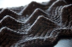 I want to learn to knit this stitch! HARI SCARF by Olga Buraya-Kefelian on Ravelry. $6 pattern