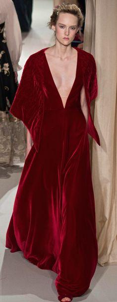 Haute Couture : Valentino célèbre l'amour