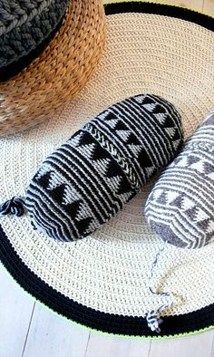 Pillow Crochet Marrakech    black and gray por lacasadecoto en Etsy, €26.00