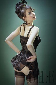 Nuits de satin Paris Frühjahr/Sommer 2008 - Dessous - http://de.dentell.es/fashion/lingerie-12/corsets-vintage/nuits-de-satin-paris,224