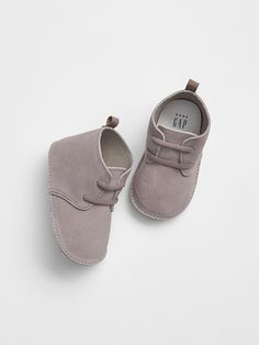 Baby Suede Boots - Baby Boy Shoes - Ideas of Baby Boy Shoes - Gap Baby Faux Leather Boots Tahitian Pearl Boys Clothes Sale, Cool Baby Clothes, Cute Baby Shoes, Baby Boy Shoes, Boys Shoes, Infant Boy Shoes, Fall Clothes, Stylish Clothes, Casual Clothes