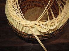 Images in Anna's post Anna, Making Baskets, Rolled Paper, Weaving Patterns, Basket Weaving, Sculptures, Image, Home Decor, Life