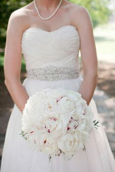 pretty pink + white #bouquet | Kellie Kano