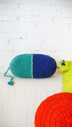 Pillow Crochet Marrakech green and blue por lacasadecoto en Etsy, €26.00