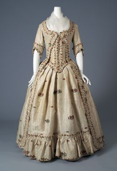 Robe à l'anglaise: ca. 1770-1790, silk brocade. Silverman/Rodgers Collection, KSUM 1983.001.0010 ab Re: Robe a la Polonaise, not-polonaised!