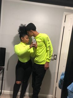 p i n: 𝖑𝖎𝖛𝖉𝖍𝖆𝖉𝖔𝖓♥ Freaky Relationship Goals Videos, Couple Goals Relationships, Relationship Goals Pictures, Couple Relationship, Black Love Couples, Cute Couples Goals, Matching Couple Outfits, Matching Couples, Bae Goals