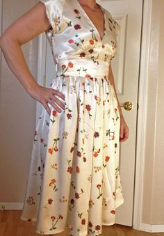The Sewing Lab: Butterick 5209 - Flowered 40's Dress