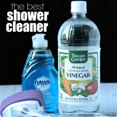 Best homemade shower cleaner - Best Shower Cleaner - Bathtub Cleaner - The Best Homemade Shower Cleaner is so easy to make with only 2 ingredients. Plus I share my special tip on how I clean my shower so quickly! Homemade Cleaning Products, Household Cleaning Tips, Deep Cleaning Tips, Cleaning Recipes, House Cleaning Tips, Natural Cleaning Products, Spring Cleaning, Household Cleaners, Cleaning With Vinegar