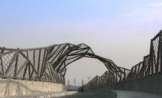 based on the existing bridge structure, the deck and fencing have been designed by projecting the intertwining images of mountain, river, fog and wind fabricating the site.