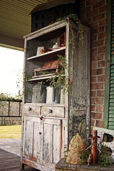 Abigail's Primitive Palace -