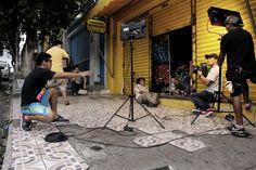"""Curta-metragem/Leco/Teatro da Instalação Produzido com apoio do ProArte 2013, filme dirigido por Augustto Gomes enfoca violência urbana na história de adolescente que envereda pelo caminho do crime Dois temas sociais que marcam a produção recente do cinema brasileiro, a pobreza e a violência são também a mola propulsora de """"Leco"""", curta-metragem do realizador amazonense Augustto Gomes que estreia neste sábado (18), às 19h, no Teatro da Instalação (rua Frei José dos Inocentes, S/Nº, Centro…"""
