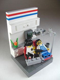 I need to build this. I have a basement full of LEGOs at home, so...
