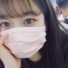 Ulzzang Korean Girl, Cute Korean Girl, Asian Girl, Close Up, Casual School Outfits, Mask Girl, Korean Couple, Ulzzang Fashion, Aesthetic Grunge